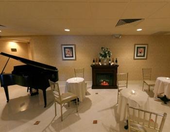 The Empire Club Piano Lounge
