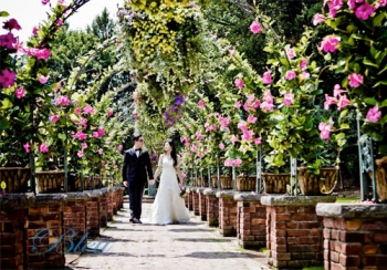 The Manor Bride and Groom in Archway