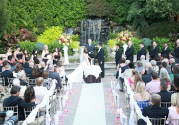 Seasons Catering & Special Events Outdoor Ceremony