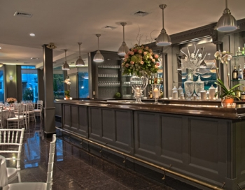 Grand Oaks Country Club Bar