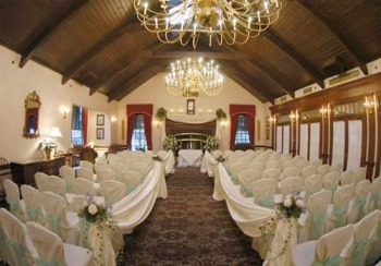 Ram\'s Head Inn Indoor Ceremony