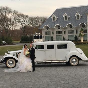 Danaro Limousine NY Wedding Bride and Groom